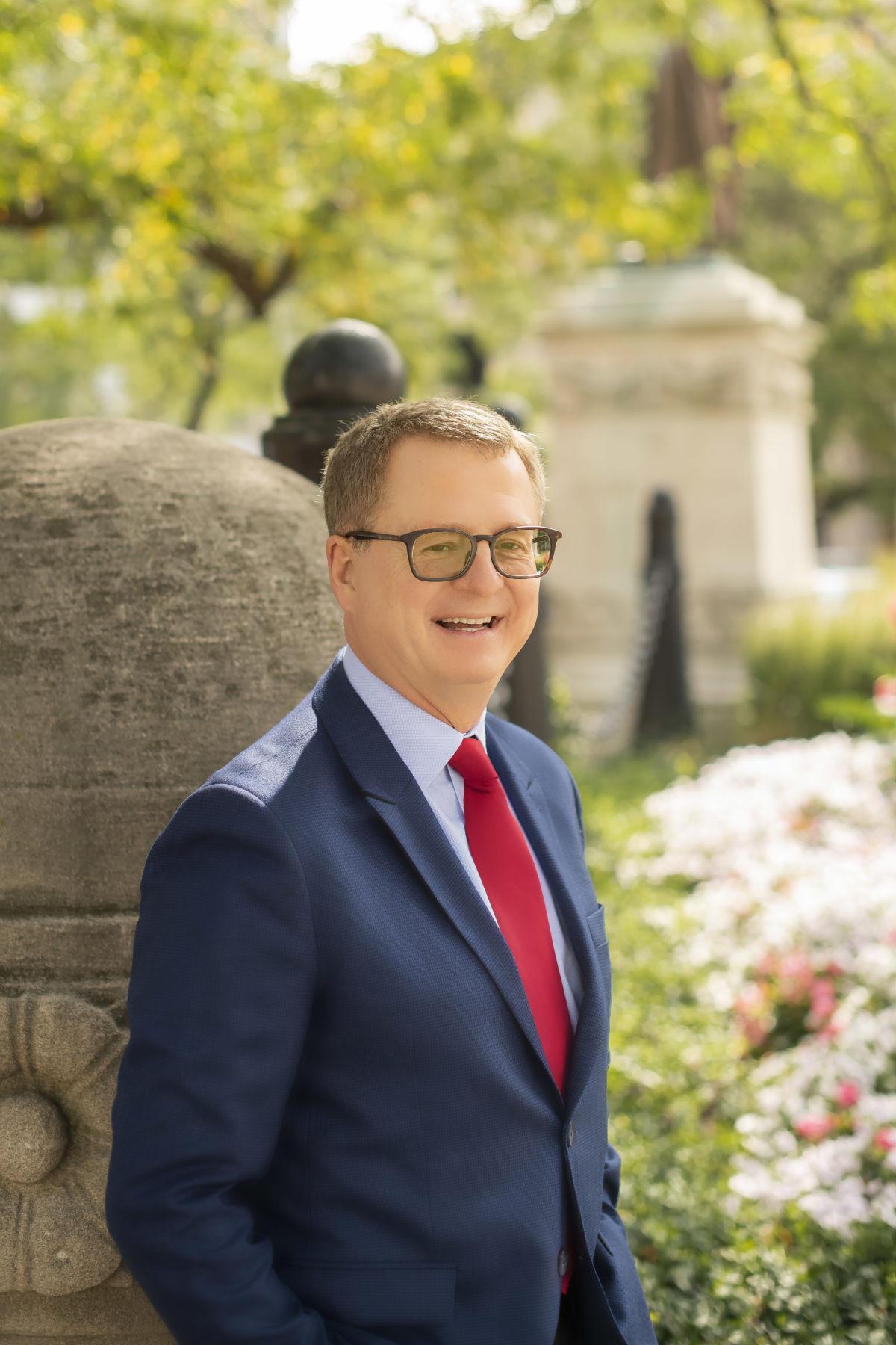 Dr. Michael Wheelis | Docu | OPYSmentation Specialist